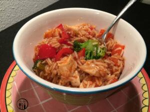 Rijst met Chinese zoet zure saus
